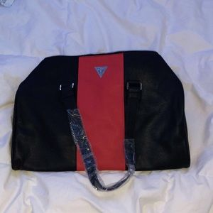 BRAND NEW GUESS DUFEEL BAG